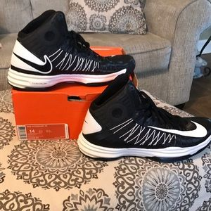Nike Shoes - NEW Nike Basketball Shoes